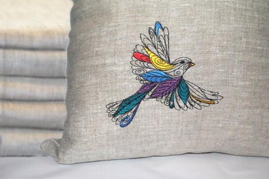 machine-embroidery-on-linen.jpg