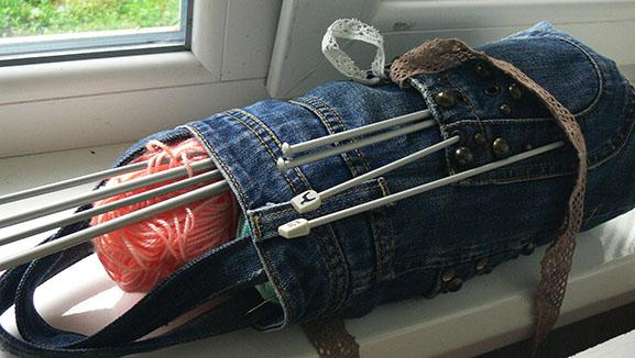 Denim bag for needles and threads