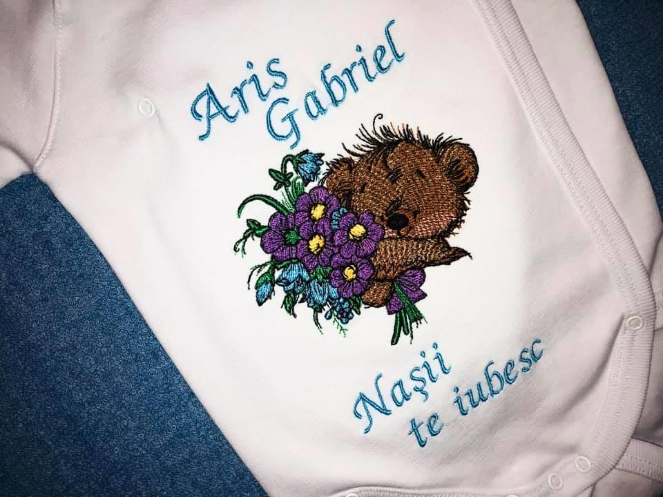 Embroidered baby clothing with Teddy bear with bouquet design