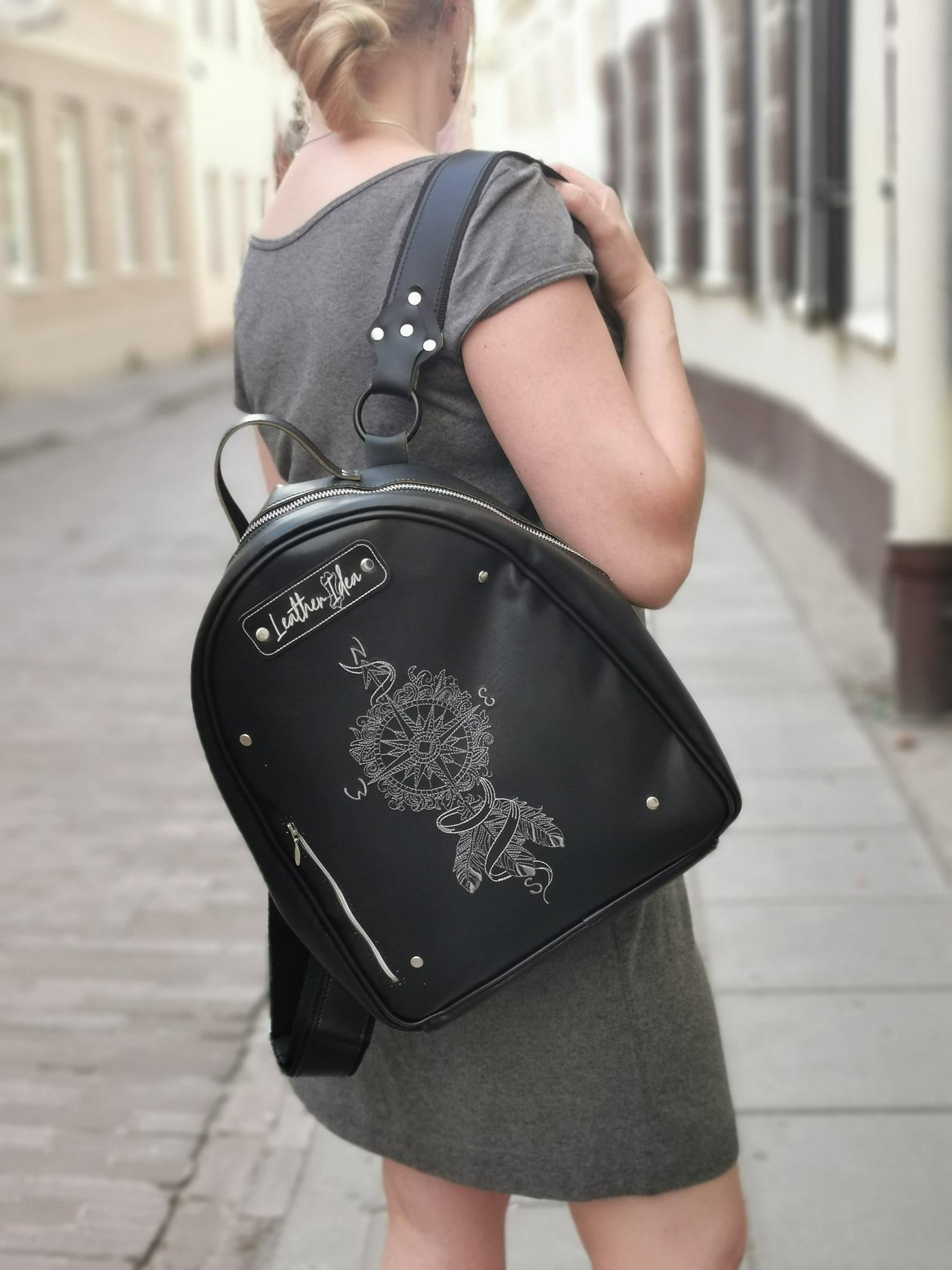 Embroidered bag with Compass dreamcatcher design