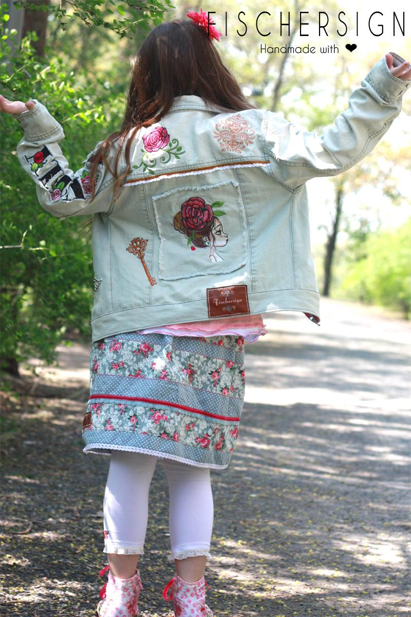 Embroidered set with Flower design