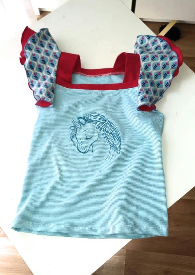 Embroidered t-shirt with Cute unicorn design