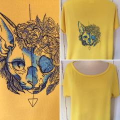 Embroidered t-shirt with Cat's skull design