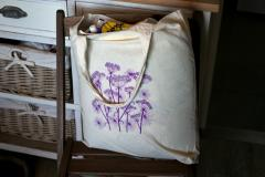 Embroidered bag with Cow parsnip design