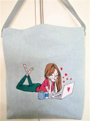 Embroidered bag with Girl in love design
