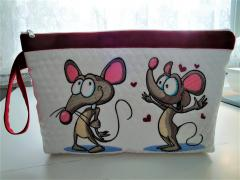 Embroidered cosmetics bag with Mouse design