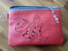 Embroidered handbag with Frog design