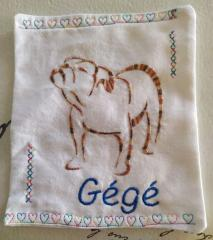 Embroidered pillowcase with Bulldog free design