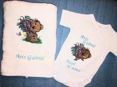 Embroidered set with Teddy bear with flowers design