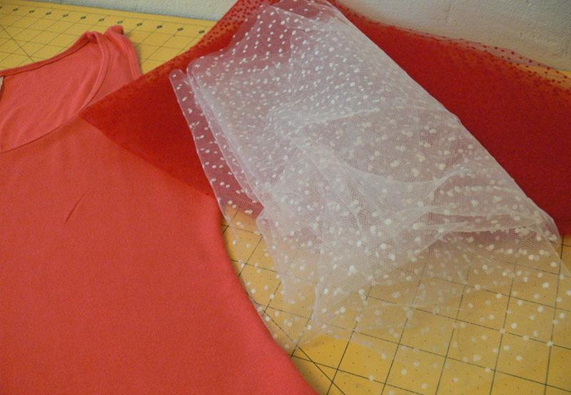 Peach-colored T-shirt and tulle netting