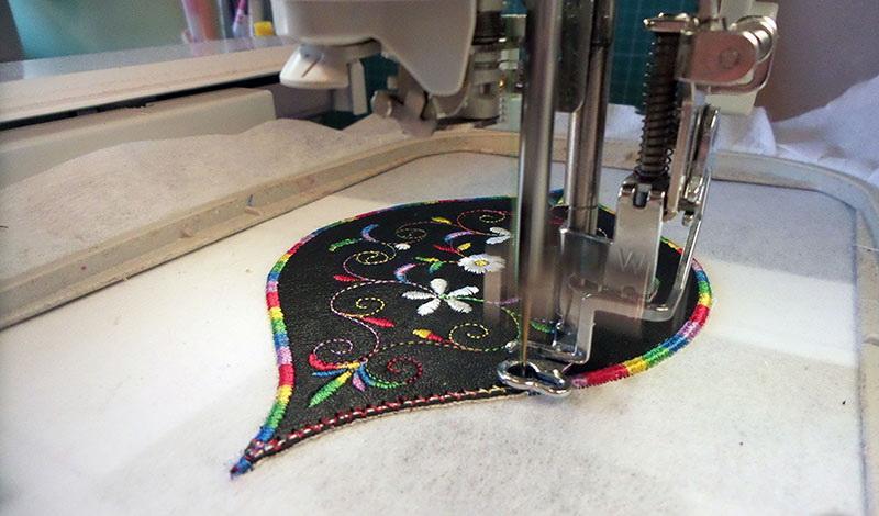 Stitching colorful edge