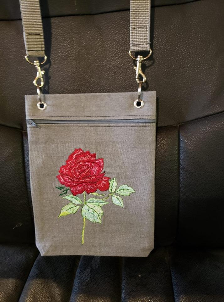 Embroidered bag with Rose design