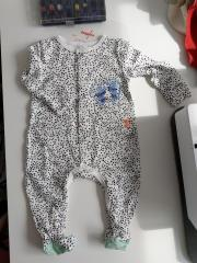 Embroidered baby outfit with free design