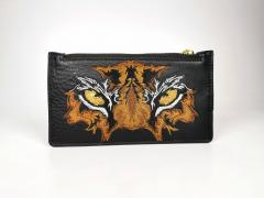 Embroidered handbag with Tiger eyes design