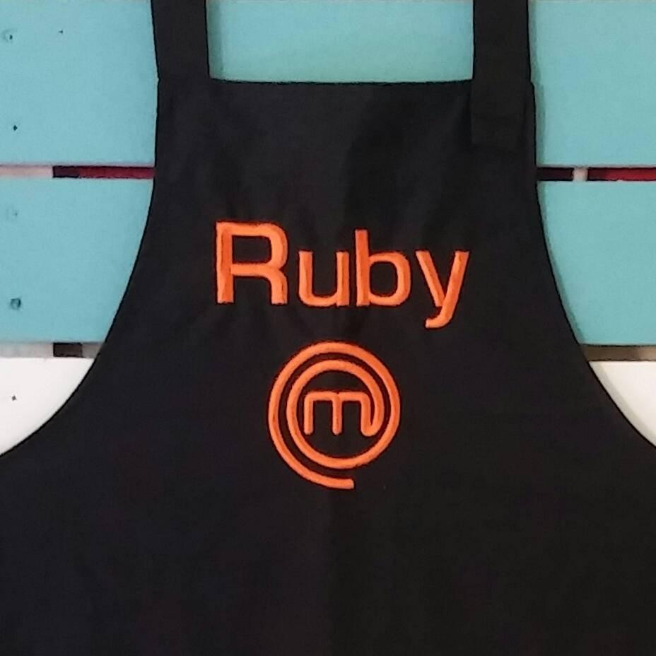 Embroidered apron with Master chef design