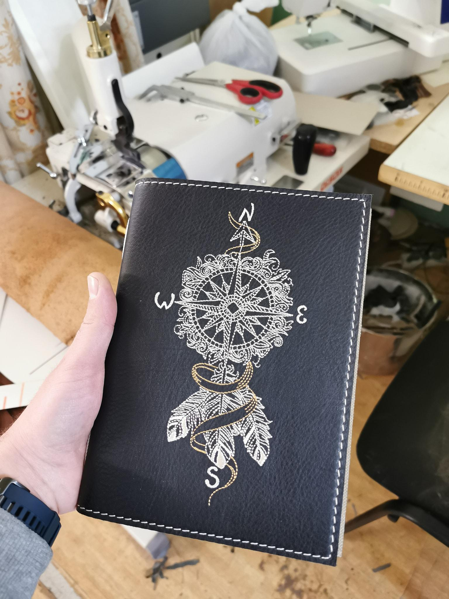 Embroidered cover with Wind rose design