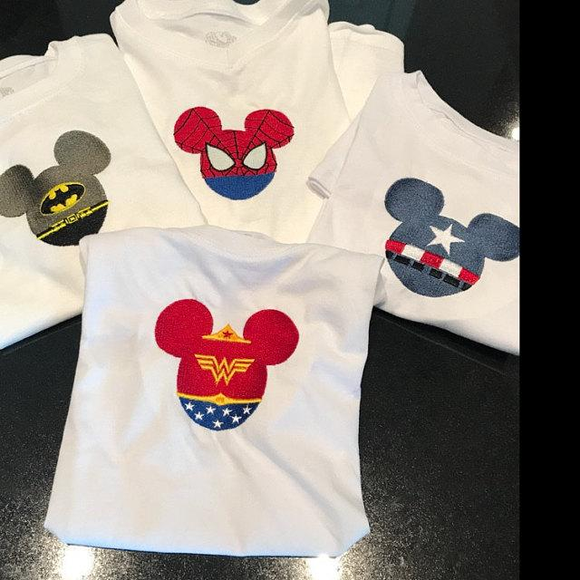 Embroidered set with Mickey designs