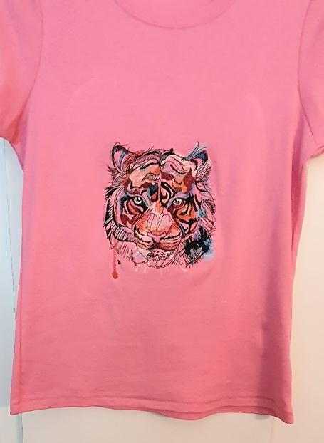 Embroidered t-shirt with Tiger design
