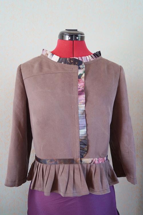 Jacket with basque and ruffled satin ribbon