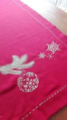 Embroidered napkin with Christmas ball design