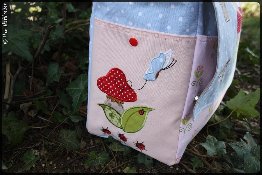 Bag with applique free embroidery design