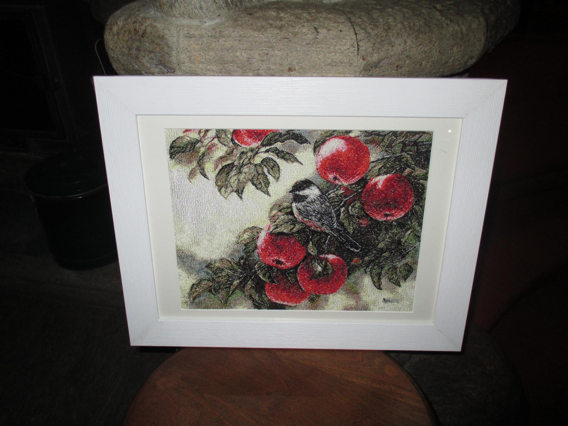 Apples photo stitch embroidery design