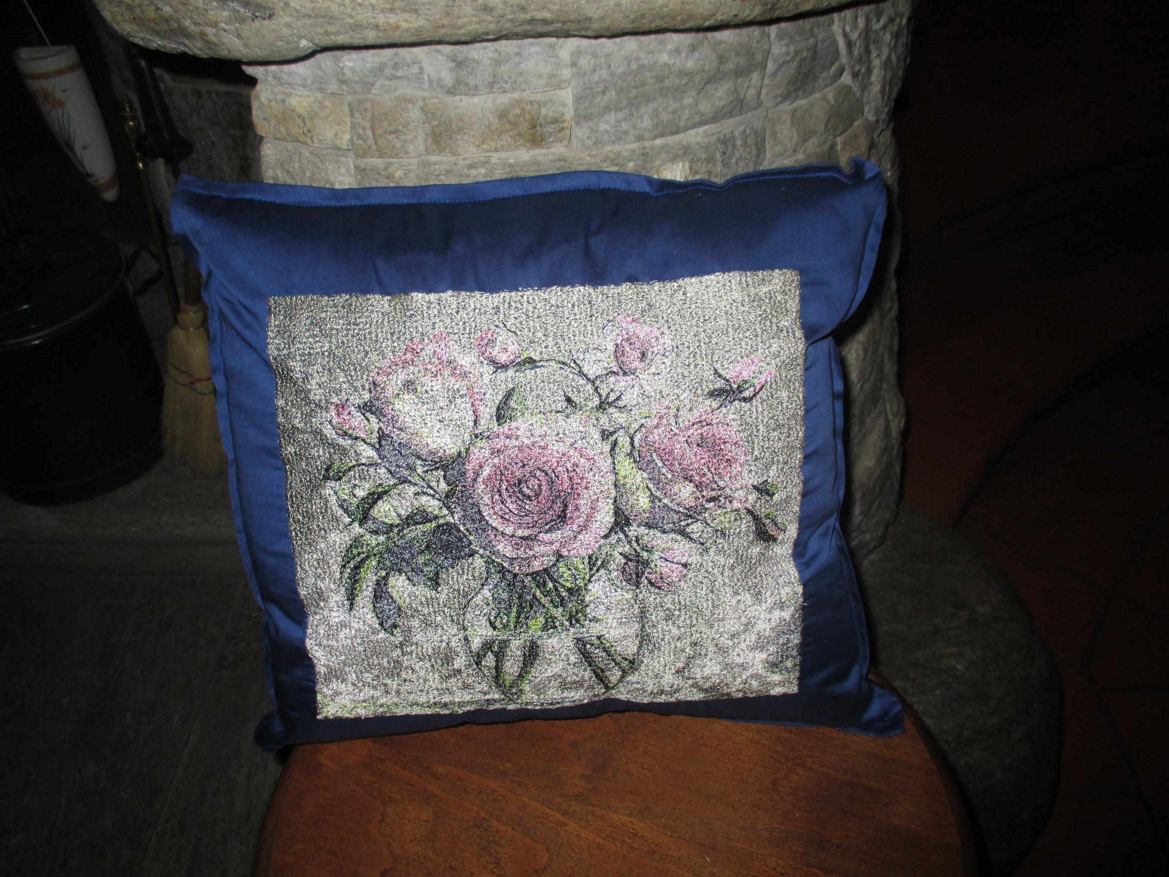 Bouquet roses in vase design