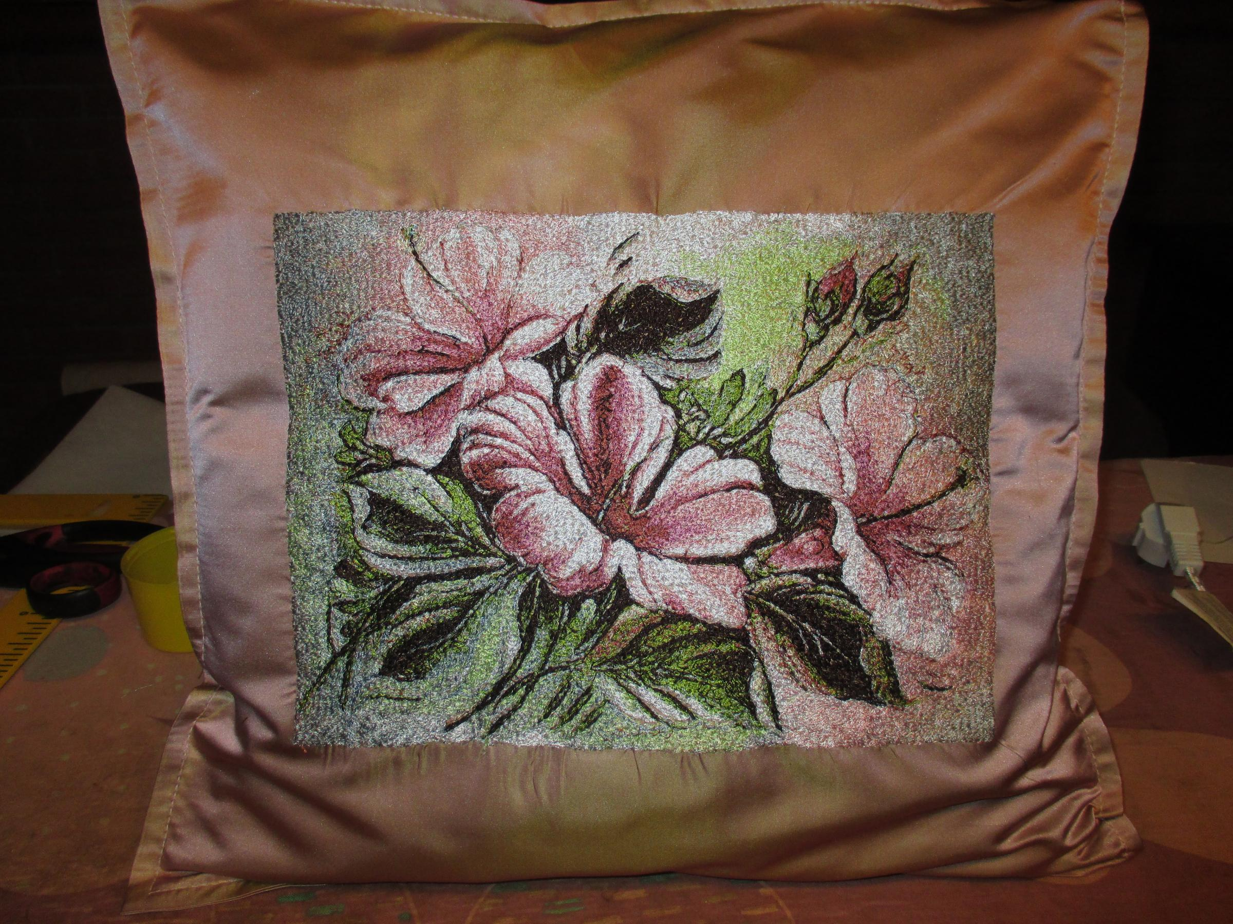Embroidered cushion with flowers free design