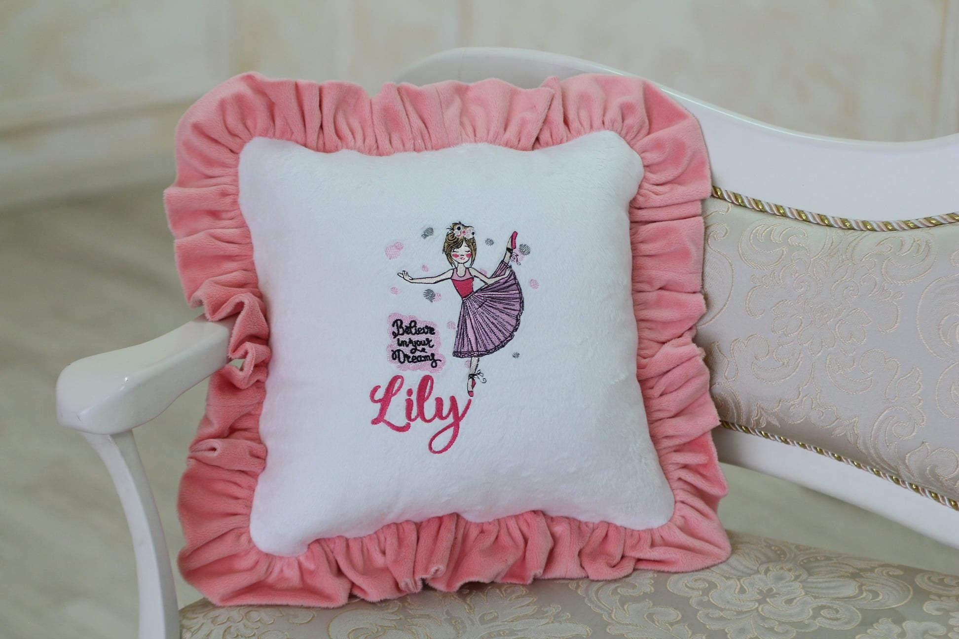 Embroidered beleive you dream design