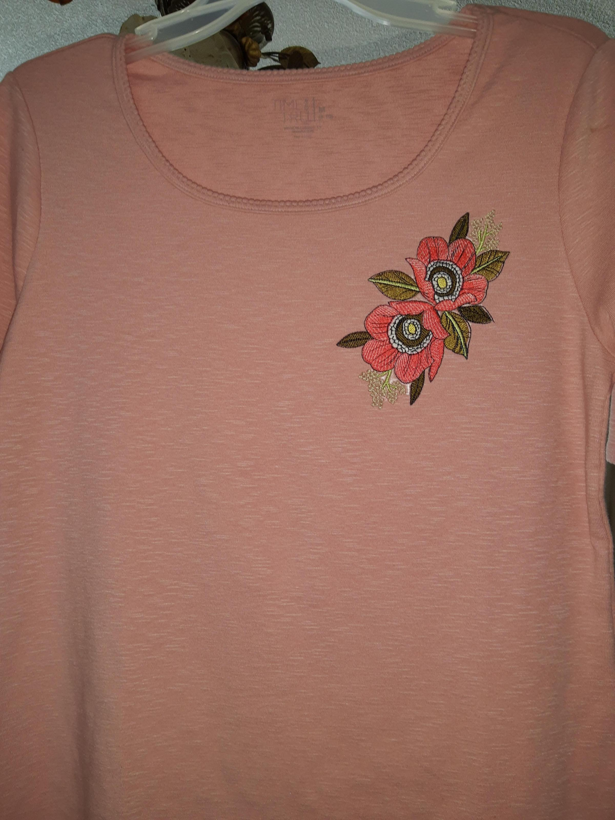 Embroidered t-shirt with Dog-rose design