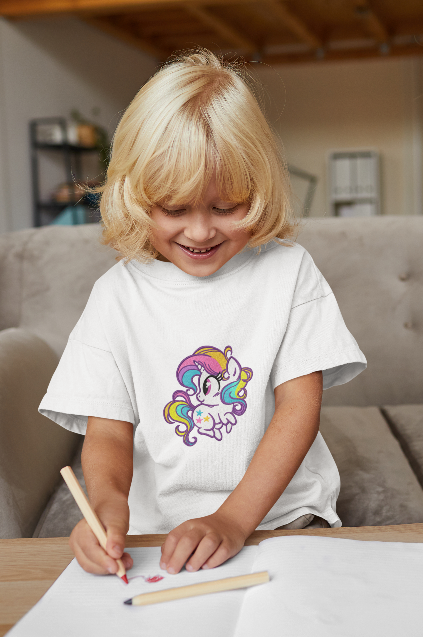 Embroidered t-shirt with Rainbow pony design