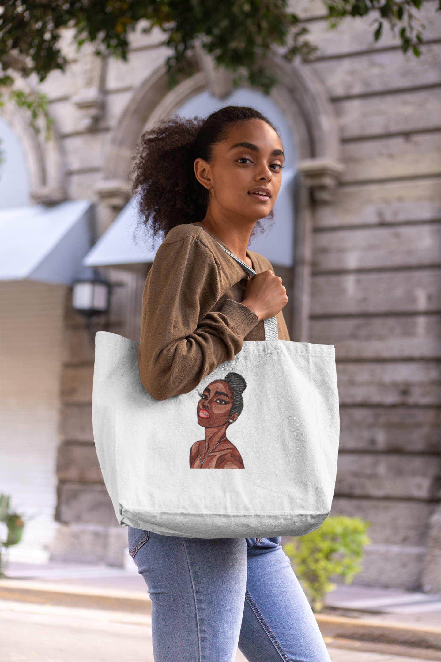 Embroidered bag with Portrait of beautiful woman